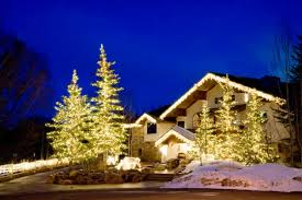 best 40 outdoor christmas lighting ideas that will leave you