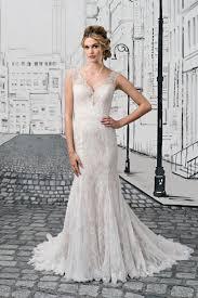 Wedding Dresses With Straps 584eac8c3d96051cd700694becbda51d Jpg