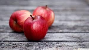 imagenes lindas naturaleza una foto muy bonita de la naturaleza muerta con tres lindas manzanas