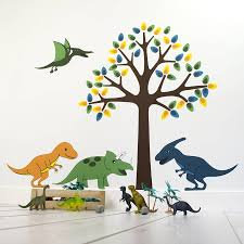 stickers garcon chambre relooking dinosaure pour une chambre de petit garçon