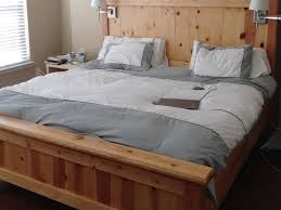 Simple King Size Bed Frame by King Size Simple Bedroom With King Size Bed Without Headboard