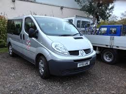 small renault file a renault trafic 9 seater minibus at the 2013 hampton small