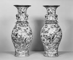 Chinese Vases History File Chinese Pair Of Vases With Flowers Insects And Birds