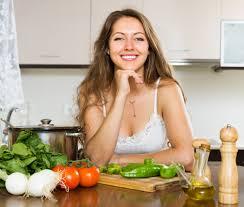 femme en cuisine femme cuisine soupe cuisine télécharger des photos gratuitement