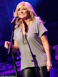 Lee Ann Womack Topless - carrie underwood steals the show from keith urban at benefit