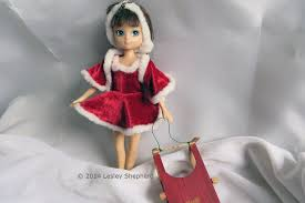 how to make a simple circular skating skirt for a doll