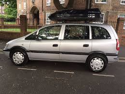 vauxhall zafira 7 seater 2005 with roof box and 2 monitor and dvd