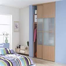 chambre avec placard pose parquet dans chambre avec placard porte coullissante
