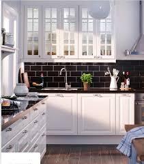 carrelage noir et blanc cuisine aménagement cuisine carrelage noir et blanc