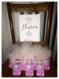 gifts to give at a bridal shower inexpensive bridal shower gift ideas whalescanada
