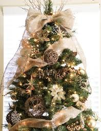 Ideas For Christmas Tree Ribbon by Best 25 Burlap Christmas Tree Ideas On Pinterest Burlap