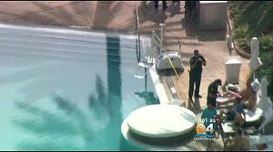man dies after being found unresponsive in miami beach hotel pool