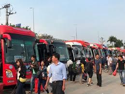 xe lexus cua le roi người dân ùn ùn rời khỏi thủ đô hà nội đi nghỉ lễ 30 4