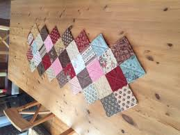 zig zag table runner zig zag charm pack table runner quiltsby me