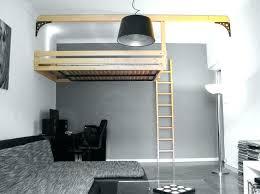 cuisine pour petit appartement cuisine pour petit espace petit lit mezzanine table de cuisine