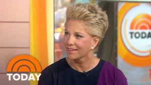how to style hair like joan lunden joan lunden on cancer battle there s a power in everyone