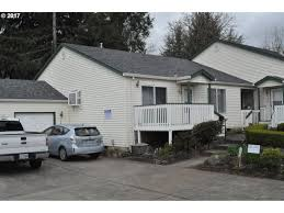 11209 se stark st portland or 97216 mls 17647340 redfin
