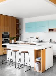 cuisine blanche avec ilot central la cuisine blanche et bois en 102 photos inspirantes archzine fr