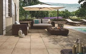 bodenfliesen fã r balkon villeroy boch terrassenfliesen my earth neustes outdoormaterial