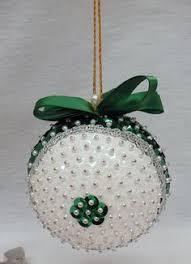 2012 Ornament Exchange Inkablinka - nice tutorial for making christmas ornament rosettes christmas