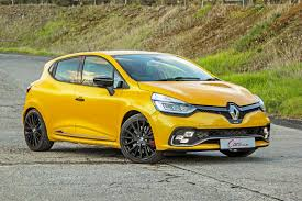 renault motor renault clio rs 220 edc trophy 2017 quick review cars co za