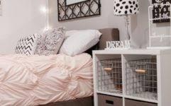 20 Small Bedroom Design Ideas by Bedroom Decorating Ideas For Small Bedrooms Inexpensive 20 Small