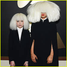Sis Chandelier Sia U0026 U0027chandelier U0027 Dancer Maddie Ziegler Wig Out At Grammys 2015