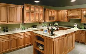 kitchen decorating ideas with oak cabinets over the head wall