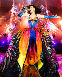 katy perry costume katy perry kicks prismatic world tour in couture costumes