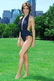lisa rinna weight off middle section hair lisa rinna height weight age bra size measurements affairs boy