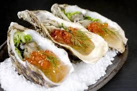 cuisiner les huitres recette de huîtres aux algues oeufs de saumon facile et rapide