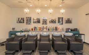 Waiting Benches Salon Make Bella Salon Spa Your Salon In Des Moines Ia Salon Waiting
