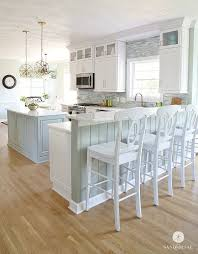 cottage style kitchen island best 25 coastal kitchens ideas on kitchens