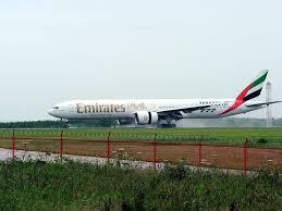 siege boeing 777 300er air emirates announces daily flight from edinburgh to dubai jersey