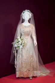 Wedding Dress With Train Wedding Dress With Train Of Bessie Rachel Bardire Collection