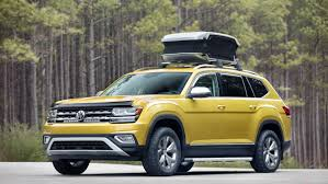 comparison volkswagen atlas sel 2018 vs toyota land cruiser