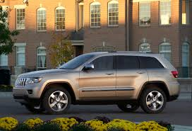 hunting jeep cherokee chrysler rolls out pricing for new 2011 grand cherokee starting at