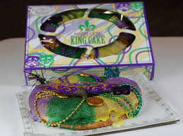 order king cakes online mardi gras is coming time for a king cake houston chronicle