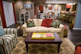 modern family tv show living room decor modern family