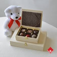 teddy gram delivery montreal chocolate teddy for gift delivery the flower pot