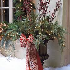 Outdoor Christmas Decorations Urns by Christmas Urns Excellent Christmas Urns With Christmas Urns
