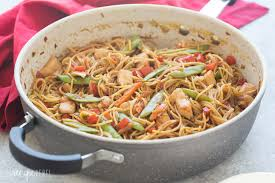 Laura In The Kitchen Pasta Easy One Pot Chicken Chow Mein Recipe Video