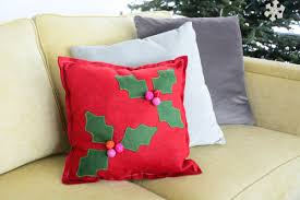 holly berry pillow tutorial weallsew