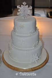 snowflake cake love the simplicity of this one it allows for the