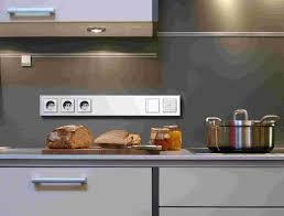 steckdosen k che bild steckdosen für arbeitsplatte küche glasrã ckwand kã che