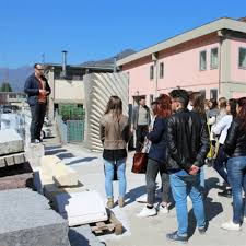 students from the academy of fine arts of verona visiting lithos