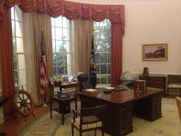 Oval Office Desk How 3 Exhibits Will Change In Gerald R Ford Presidential Museum U0027s