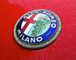 pilotes anciens the alfa romeo badge