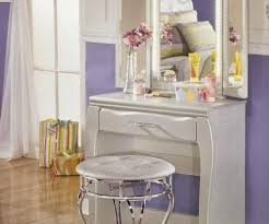 Lighted Vanity Table With Mirror And Bench Elegant Lights Desk And And Image Bedroom Makeup Desk Vanity