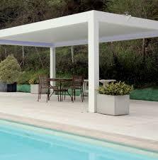 tettoia autoportante pergola bioclimatica rettangolare in alluminio con tettoia a lame